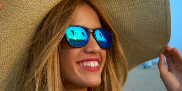 occhiali sole scadenti danneggiano vista