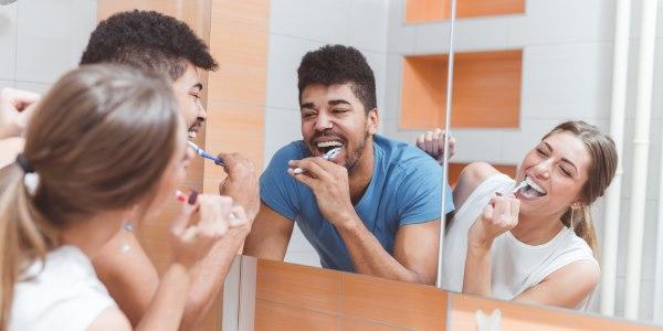 lavare denti dopo mangiato