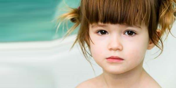 stress precoce infanzia bambine ansia depressione adolescenza
